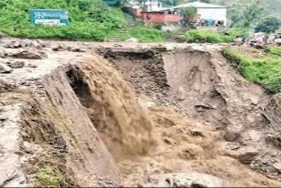 Heavy-Rains,-Cloud-Burst-in-Himachal-Force-Tourists-to-Cancel-Bookings,-Hotel-Occupancy-Falls-by-per...- Best Article