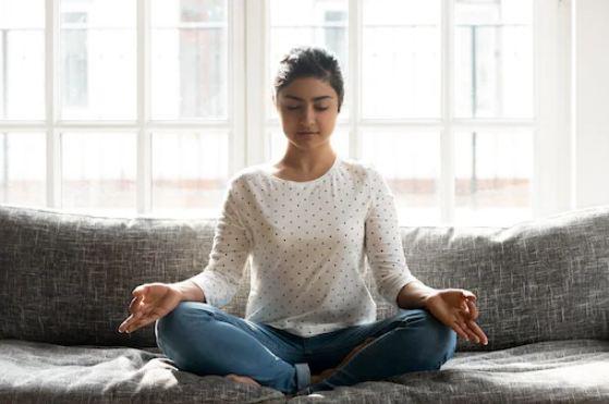 मेडिटेशन-करते-समय-क्यों-आती-है-नींद- Best Article