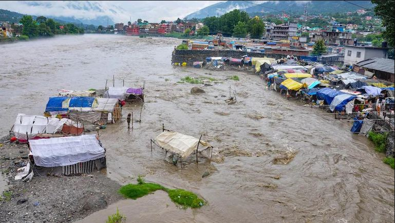 Cloud-bursts,-flash-floods-in-Himachal,-J-and-K-kill-22-IMD-issues-alert-for-north-India- Best Article