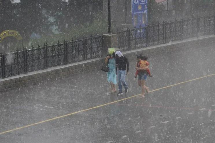 हिमाचल-के-10-जिलों-में-भारी-बारिश-का-येलो-अलर्ट- Best Article