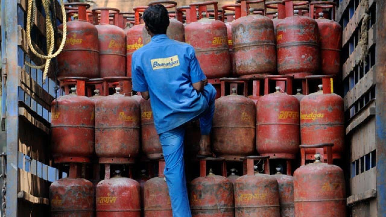 Kitchen-financial-plan-to-go-up-as-LPG-gets-dearer-by-Rs-15-for-each-chamber- Best Article